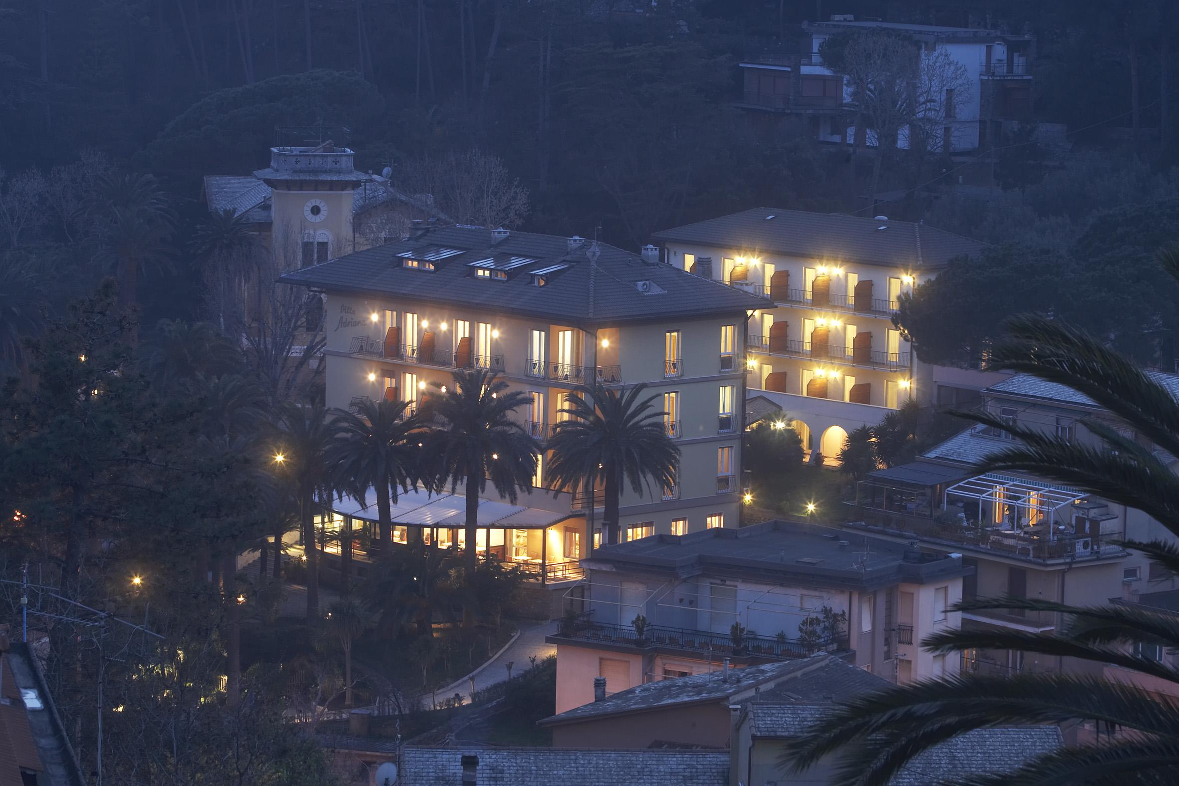 villa-adriana-notte